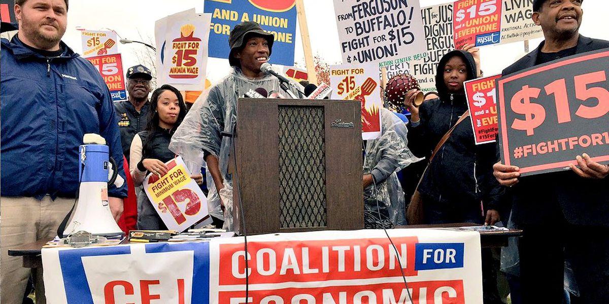 El Senado determina que no se puede incluir el aumento del salario mínimo en el paquete de ayuda propuesto por Biden
