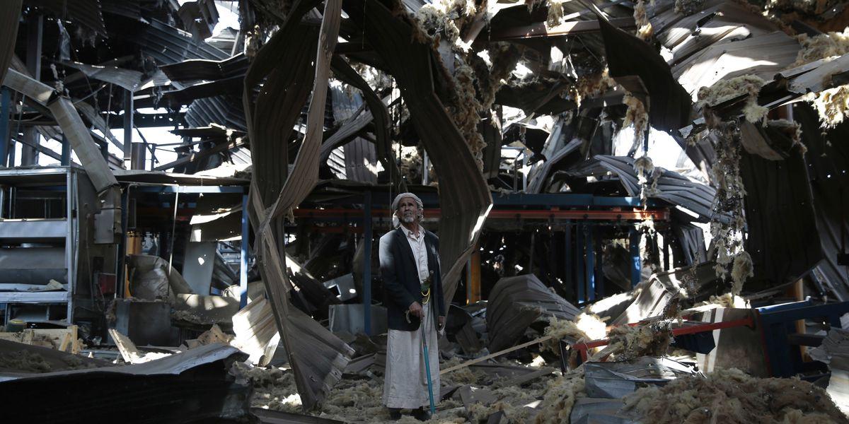 Saudi coalition in Yemen, under pressure, ends US refueling