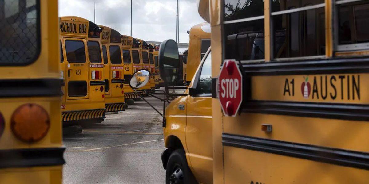 Los custodios, los trabajadores de la cafetería y los conductores de autobuses también temen regresar a las escuelas de Texas