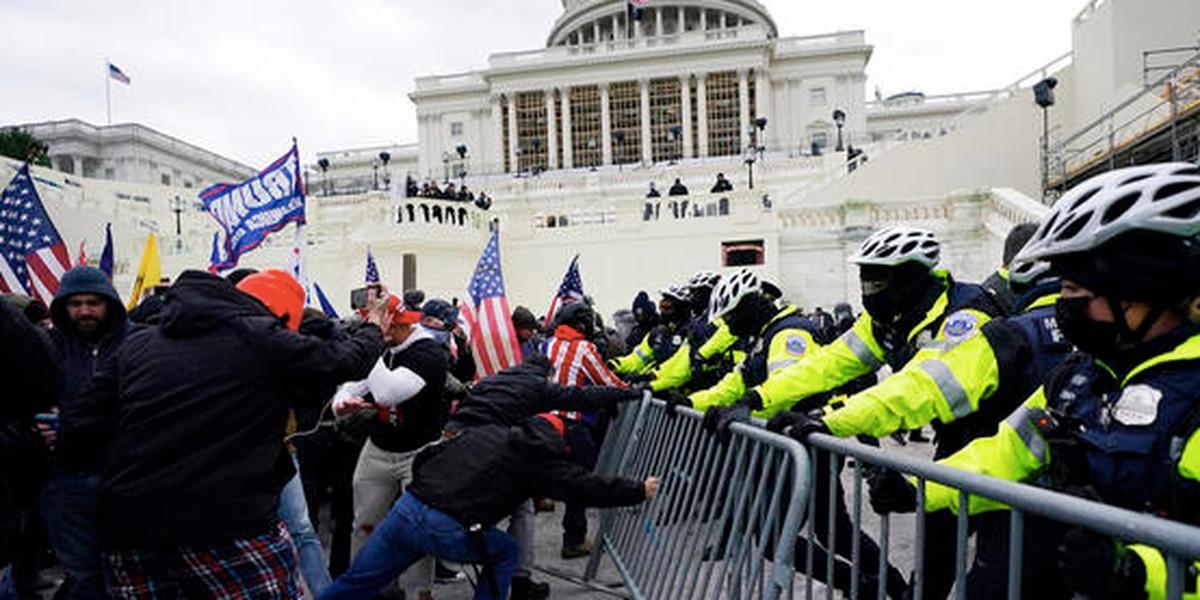 Fallece un policía del Capitolio herido en el asalto al Congreso. Es la quinta víctima