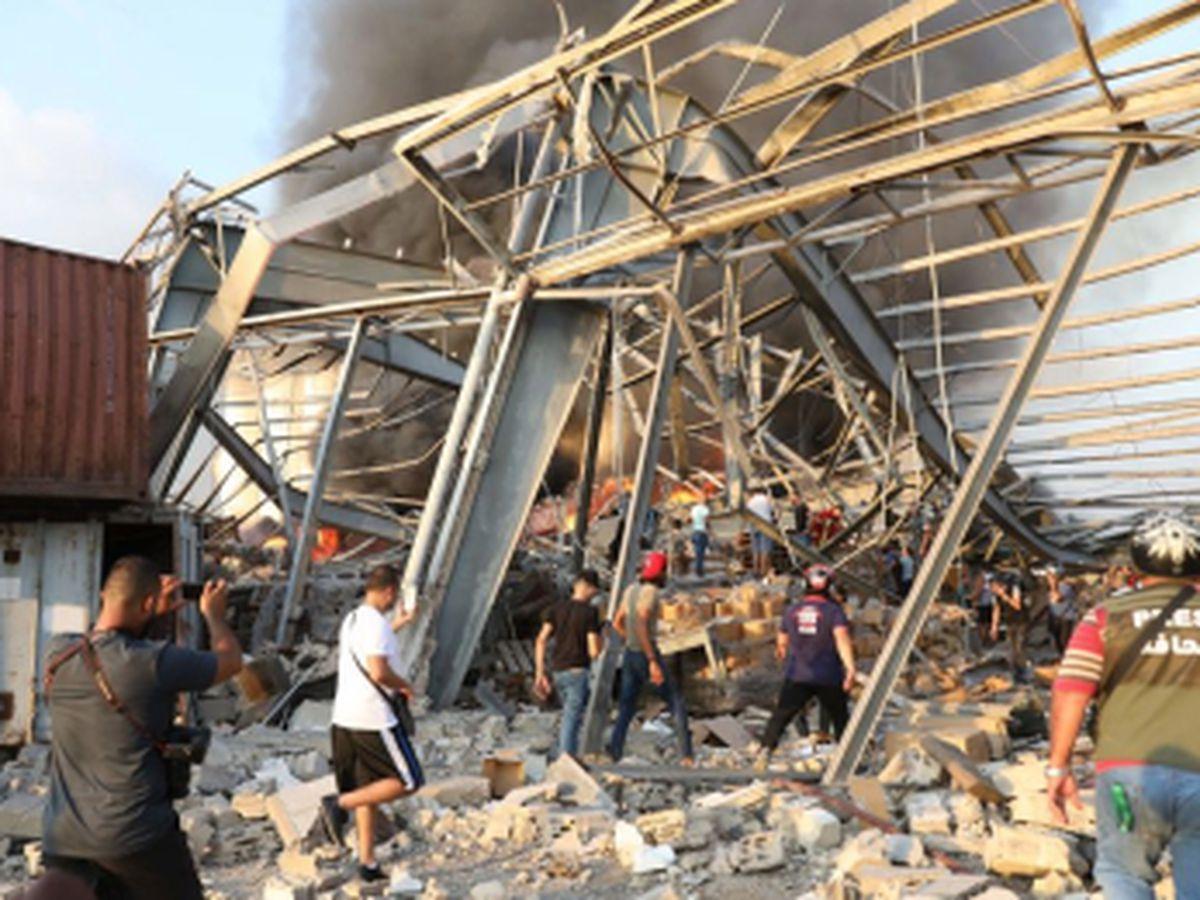 VIDEO: Una fuerte explosión sacude el puerto de Beirut