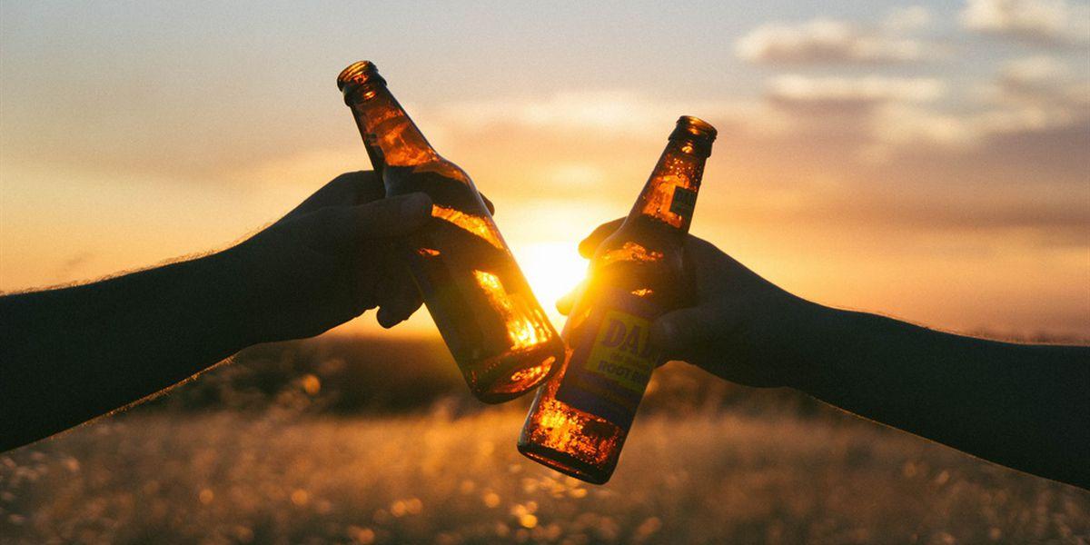 Los tejanos se preparan para la cerveza y la entrega de bebidas alcohólicas segun una aprobacion de ley