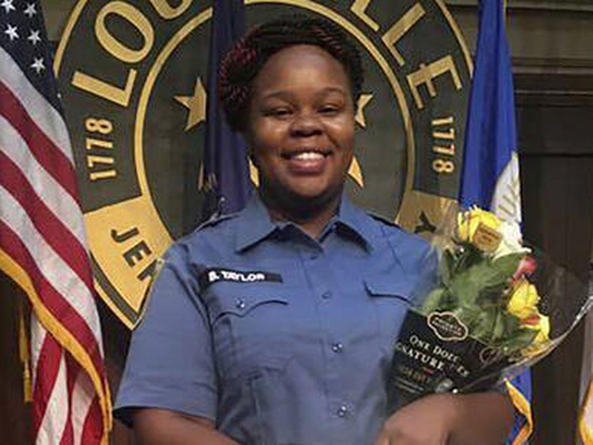 Un expolicía de Louisville recibe cargos criminales por su actuación en la muerte de Breonna Taylor
