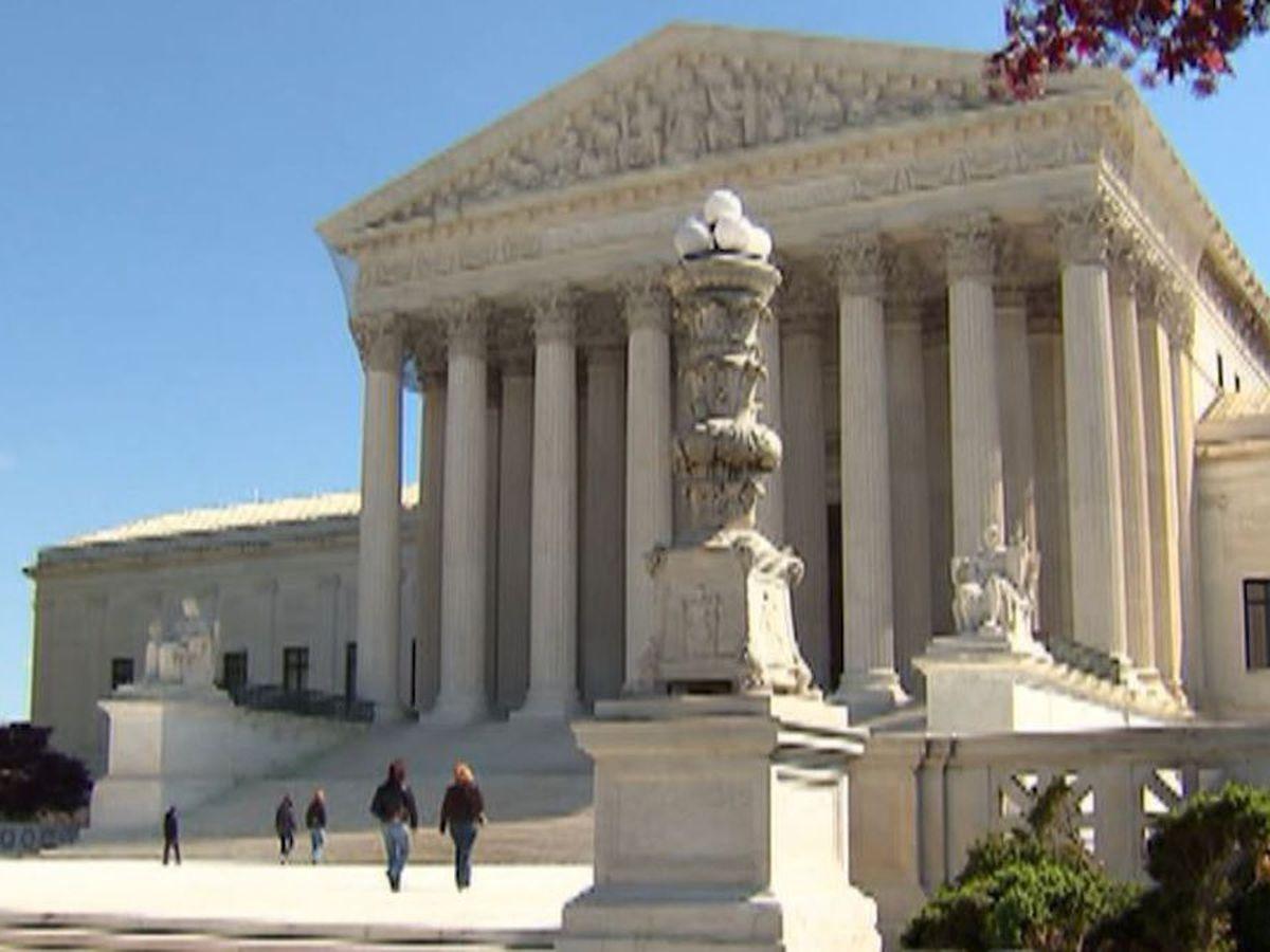 Grupo pide a los jueces de la Corte Suprema que prohíban el uso de la raza en las admisiones universitarias