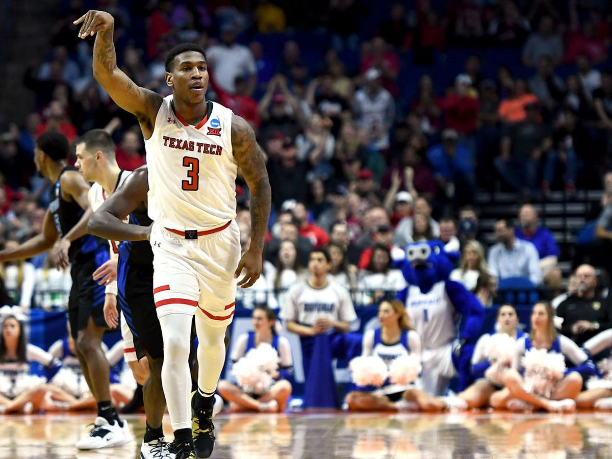 DESHAWN CORPREW ENFRENTA CARGOS Y ES SUSPENDIDO DE TEXAS TECH