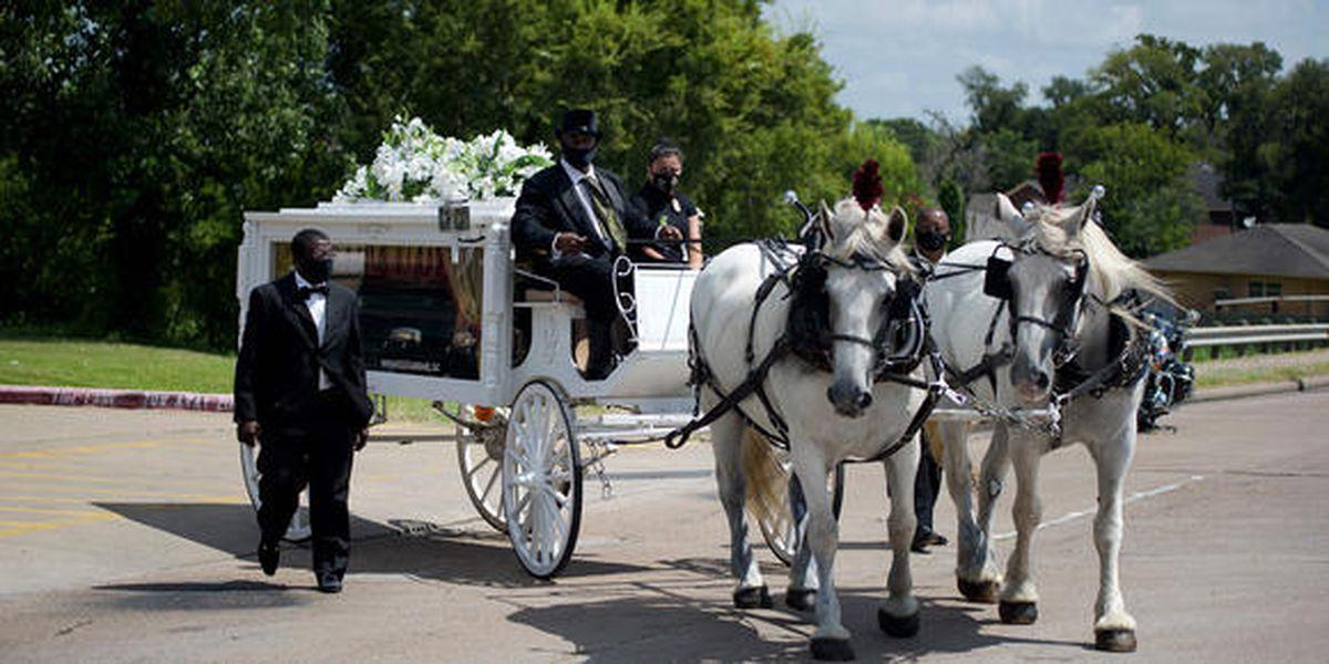 Texas: Dolientes se reúnen para recordar a soldado asesinada