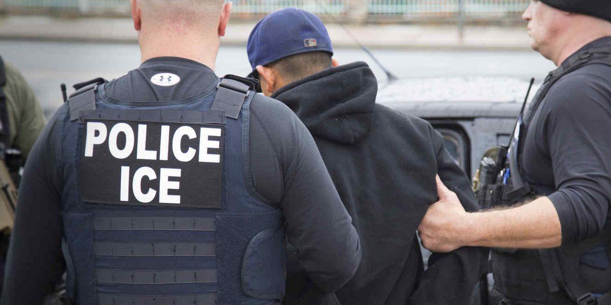 Juez ordena a ICE darle libertad condicional a algunos solicitantes de asilo