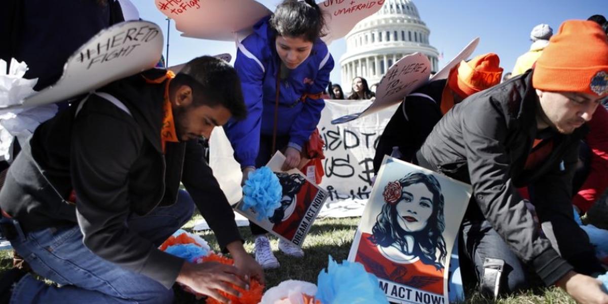 Legislador republicano propone votación para prorrogar DACA