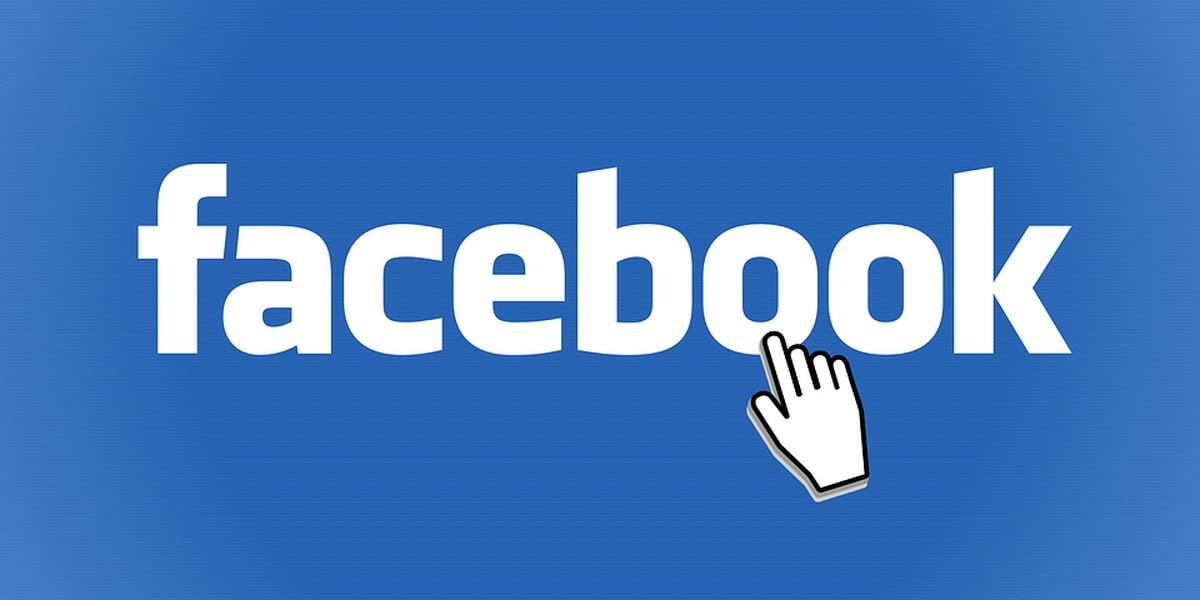 Oficiales encuentran a sospechoso después de escribir una publicación de Facebook usando su teléfono