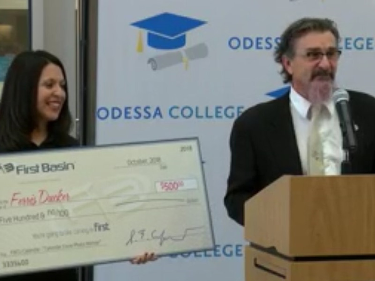 Universidad de Odessa y First Basin Credit Union premian con $500 al artista ganador del calendario