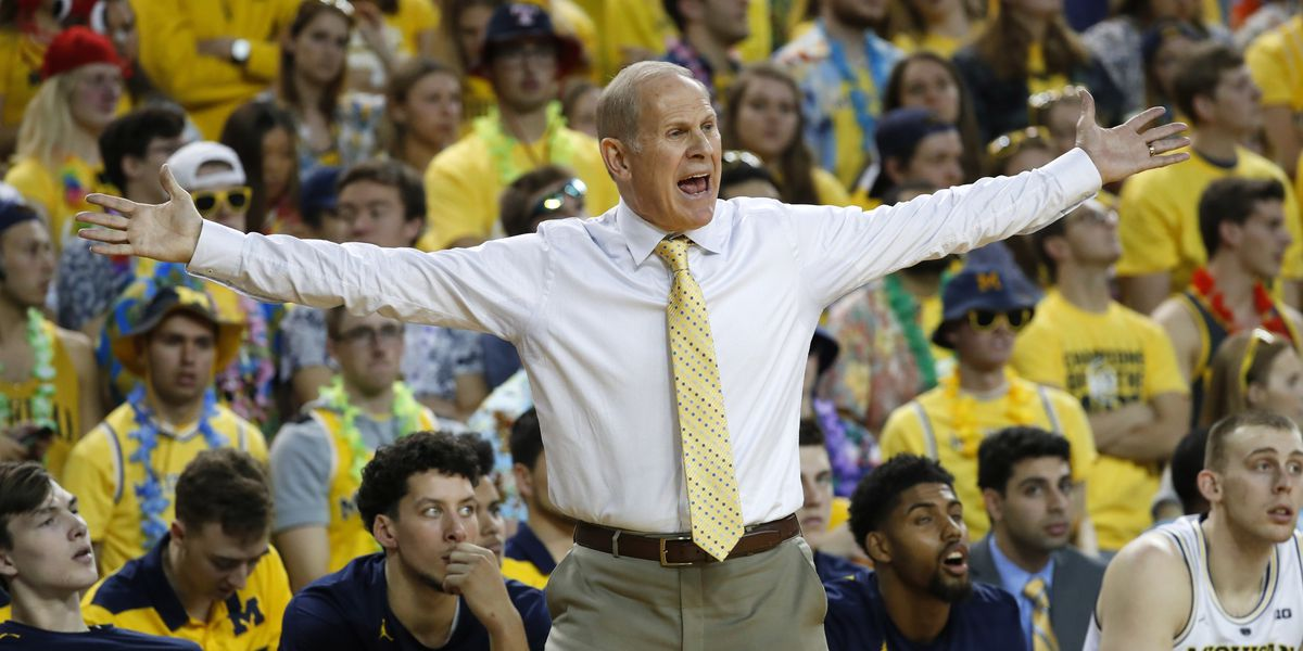 No. 5 Michigan stays unbeaten, tops South Carolina 89-78