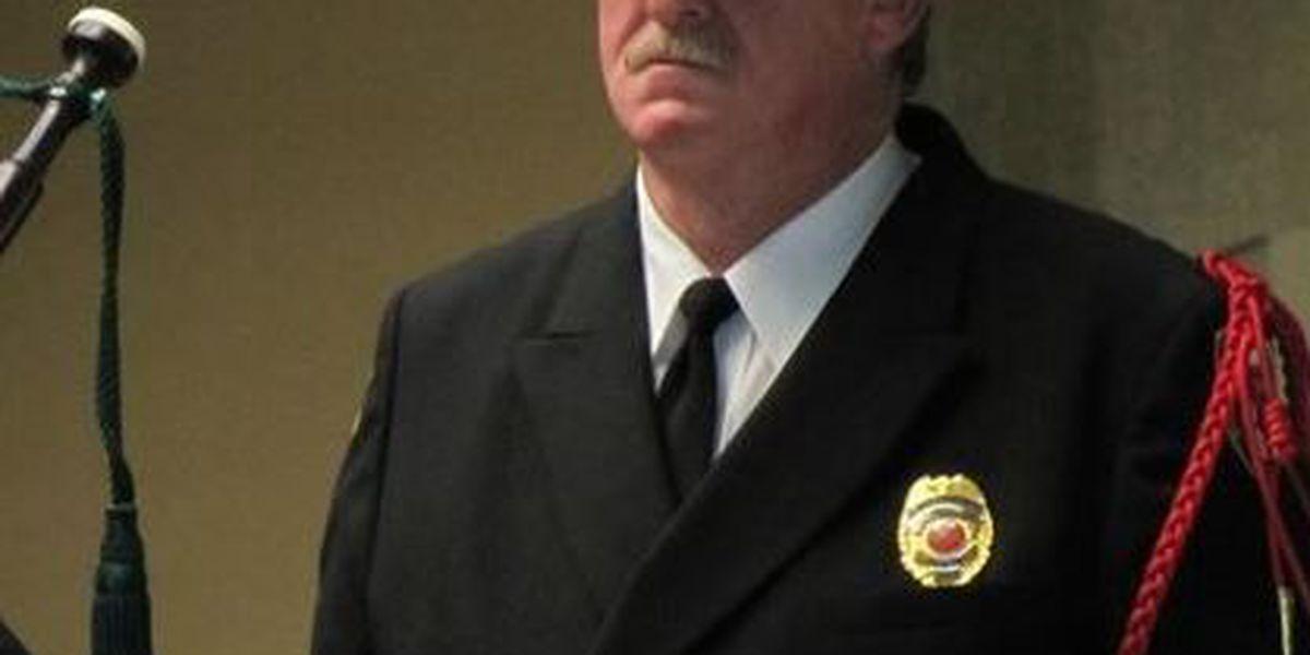 Jefe del departamento de bomberos del condado Howard Tommy Sullivan mure
