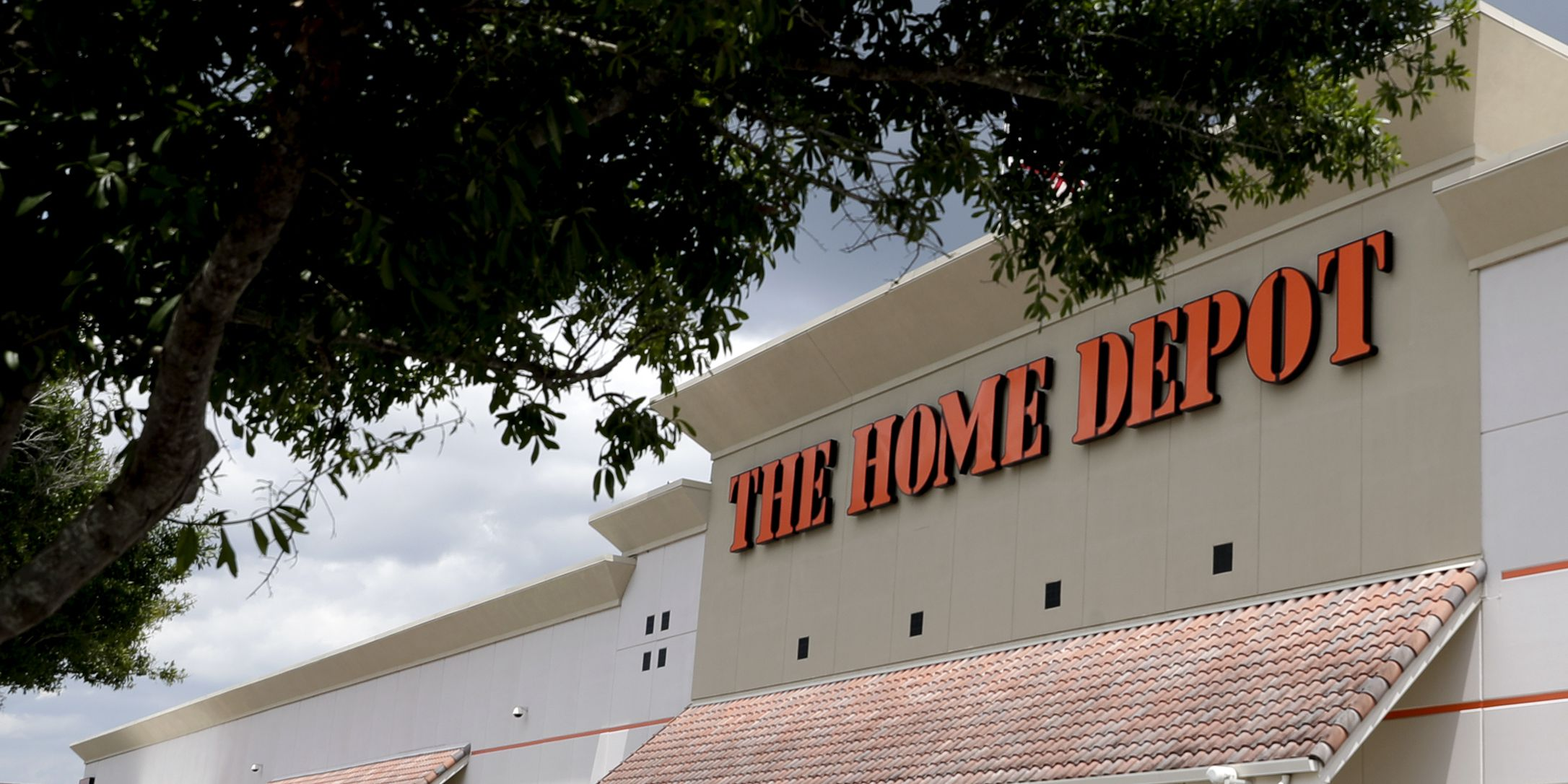 Home Depot bomb threat was actually just guy in bathroom joking he was 'fixin' to blow it up'