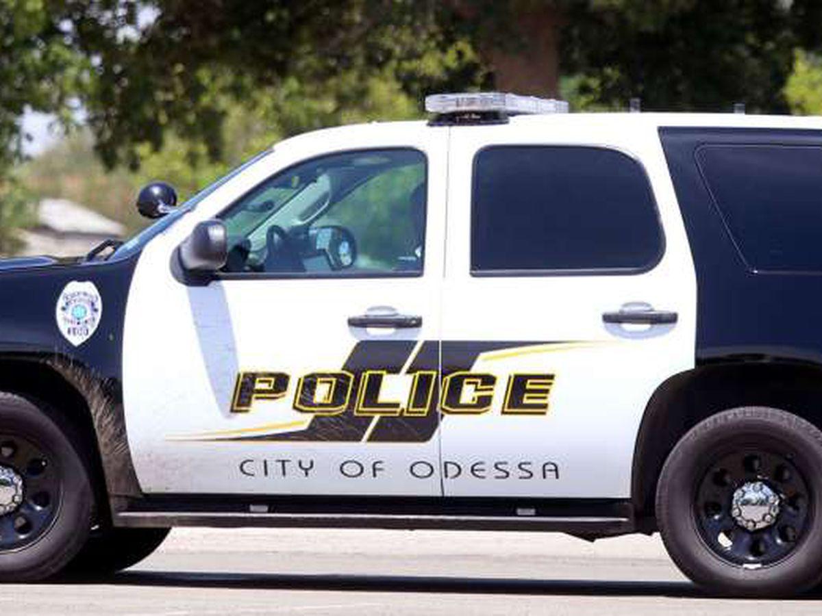 Policía de Odessa investiga accidente que envió a tres personas al hospital
